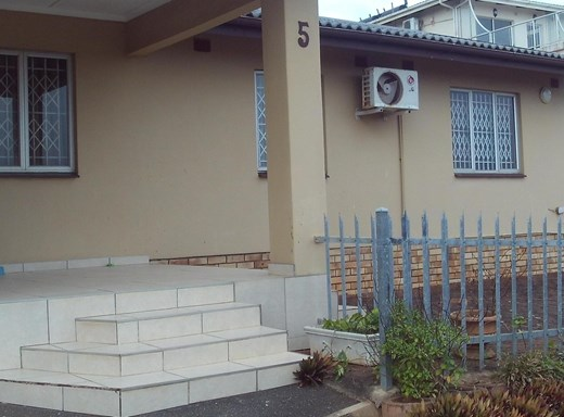 4 Bedroom House to Rent in Sheffield Beach