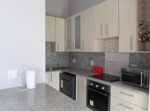 3 Bedroom House to Rent in Palm Lakes Estate