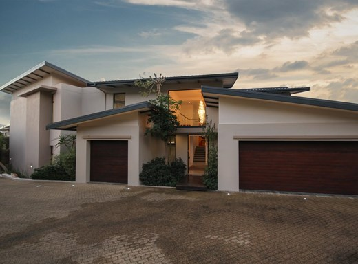 4 Bedroom House for Sale in Stonehurst Mountain Estate