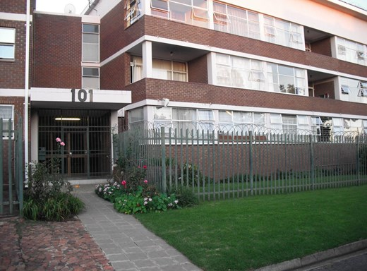 2 Bedroom Apartment for Sale in Eastleigh