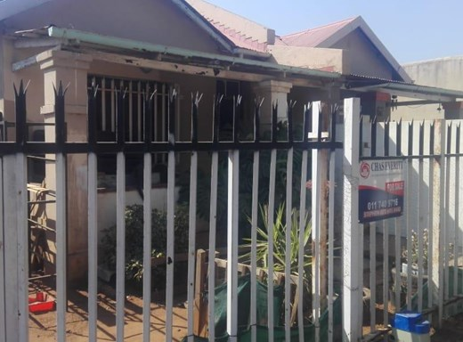 6 Bedroom House for Sale in Geduld