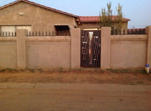 3 Bedroom House for Sale in Duduza