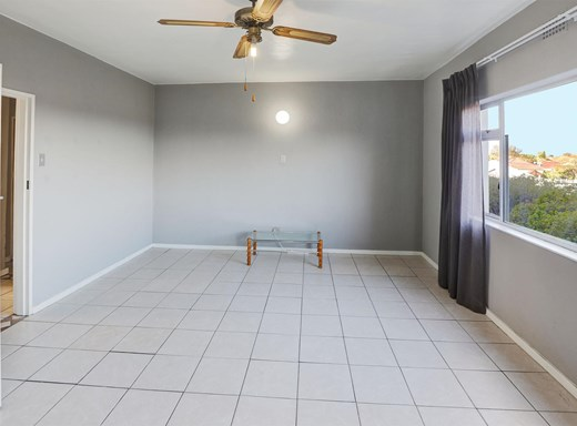 2 Bedroom Apartment for Sale in Oakdale