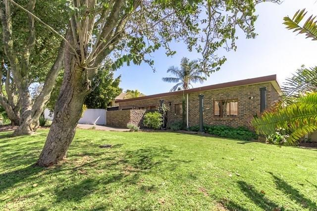 4 Bedroom House for Sale in Wellway Park