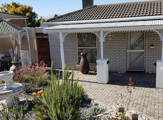 3 Bedroom House for Sale in Vredekloof Heights