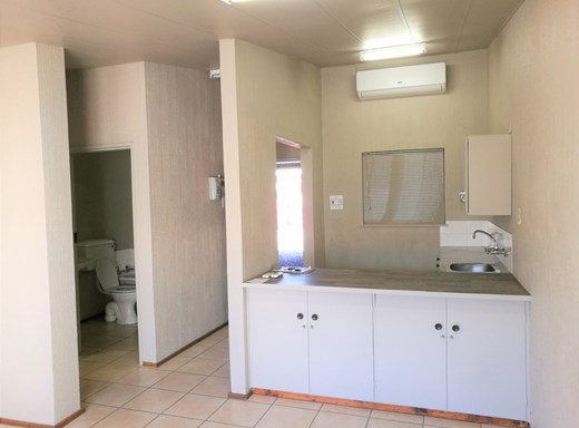 1 Bedroom House for Sale in Flora Park
