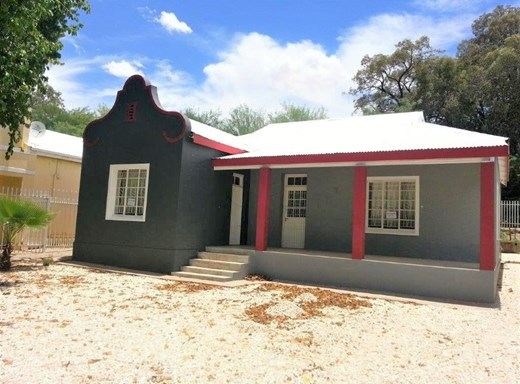 3 Bedroom House for Sale in Middelpos
