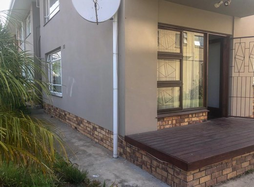2 Bedroom House for Sale in George South