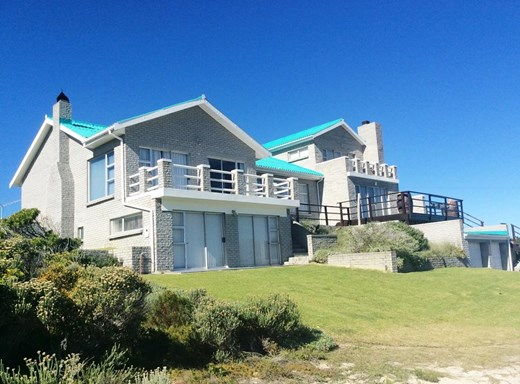 6 Bedroom House for Sale in Suiderstrand