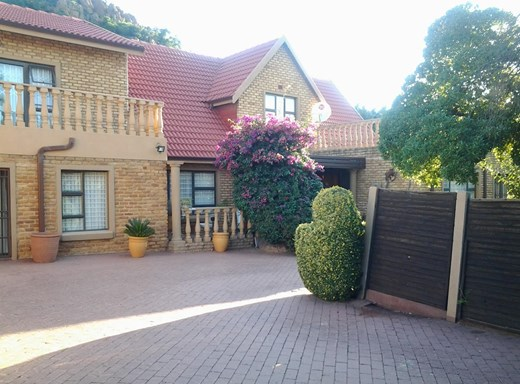 7 Bedroom House for Sale in Meredale