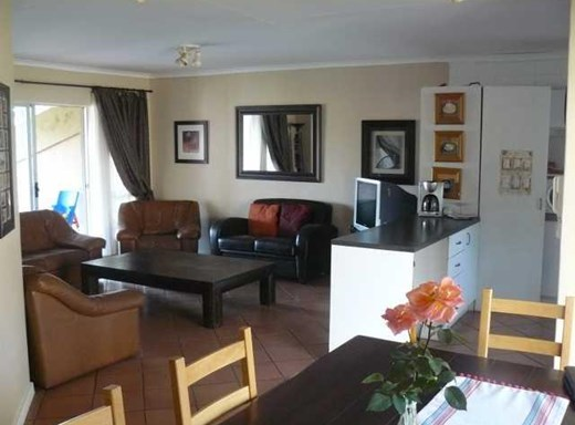 3 Bedroom Townhouse for Sale in Boschdal