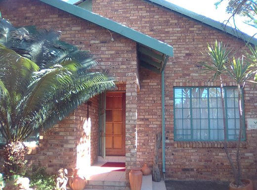 3 Bedroom House for Sale in Geelhoutpark