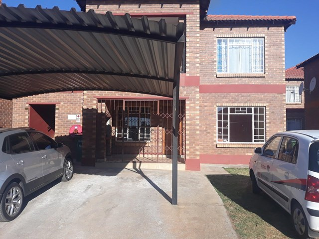 Waterval East Apartment For Sale