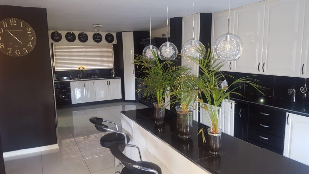 3 Bedroom House for Sale in Safari Gardens