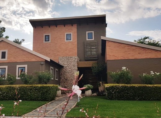 4 Bedroom House for Sale in Waterval East