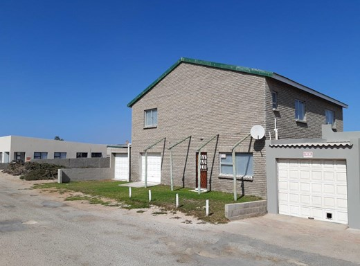 4 Bedroom House for Sale in Port Nolloth