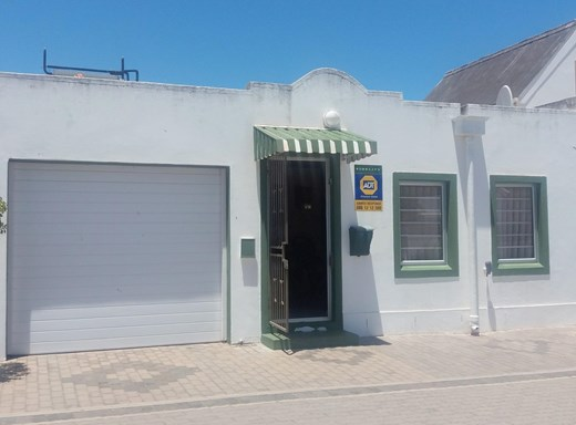 2 Bedroom House for Sale in Saldanha Central