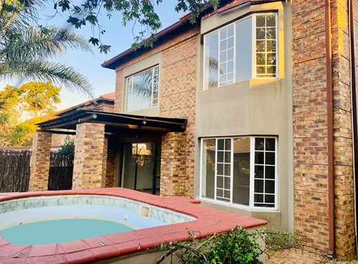 3 Bedroom Townhouse for Sale in Six Fountains
