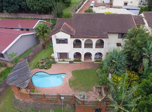 3 Bedroom Townhouse for Sale in Manors