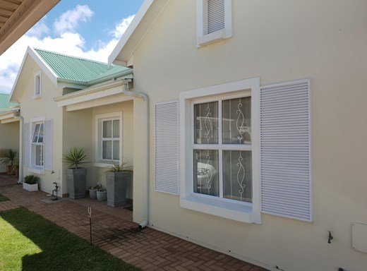 2 Bedroom House for Sale in Still Bay West