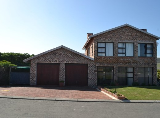 5 Bedroom House for Sale in Agulhas