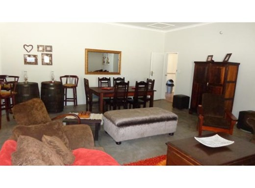 3 Bedroom House for Sale in Universitas