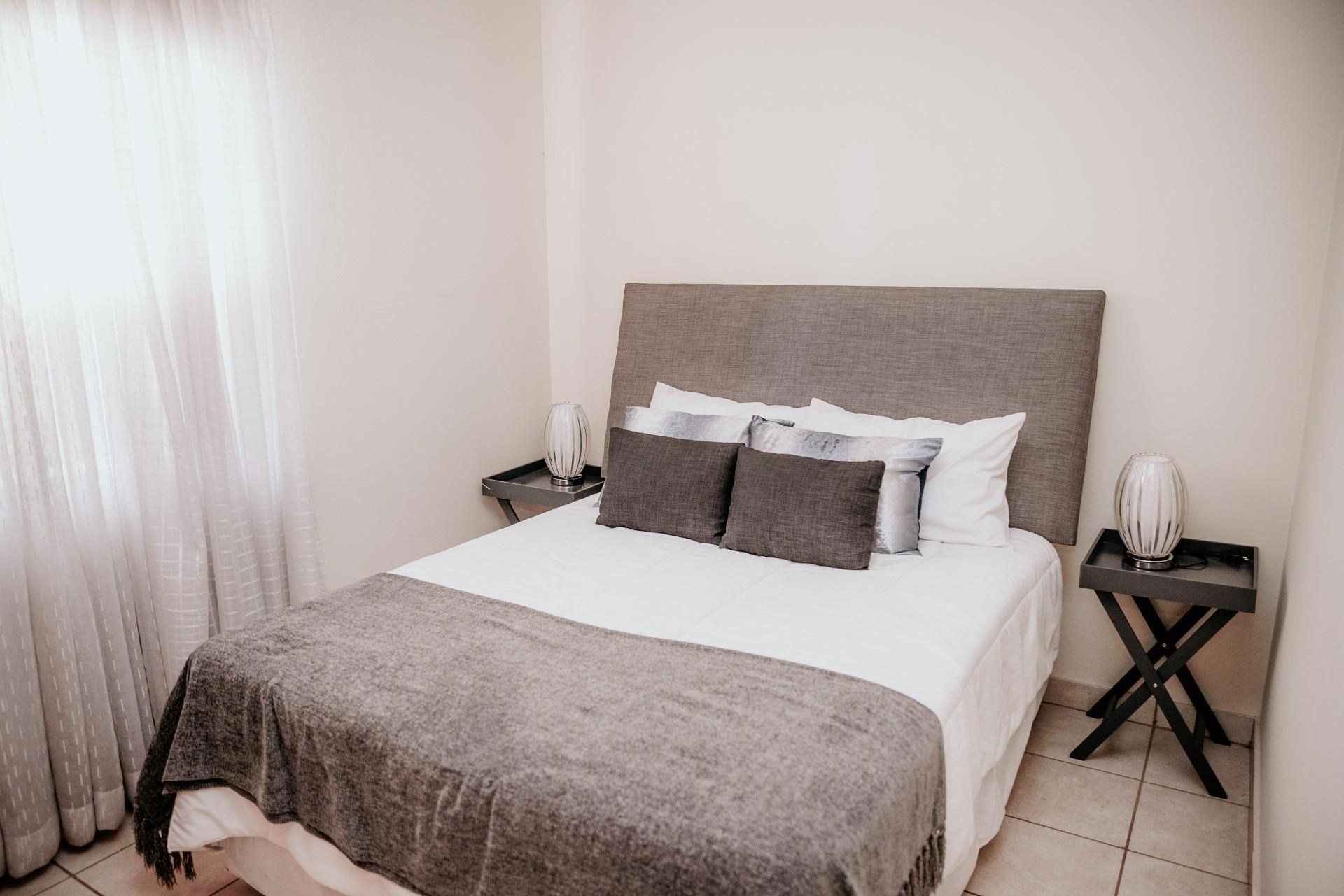 2 Bedroom Apartment to Rent in Meredale