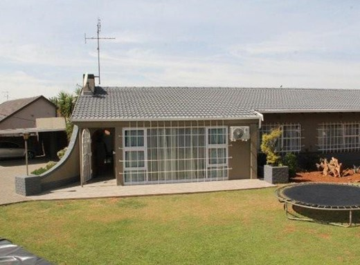 4 Bedroom House for Sale in Marlands