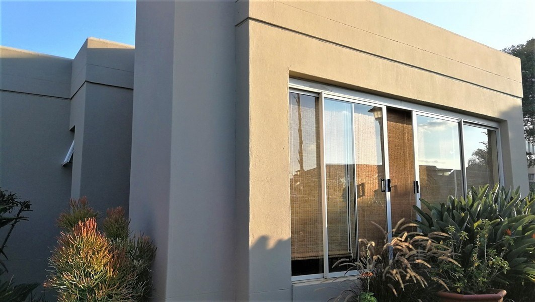 4 Bedroom Townhouse for Sale in Rietvalleirand