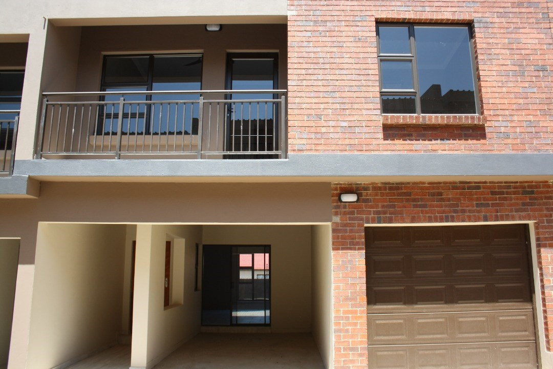 3 Bedroom Apartment for Sale in Baillie Park