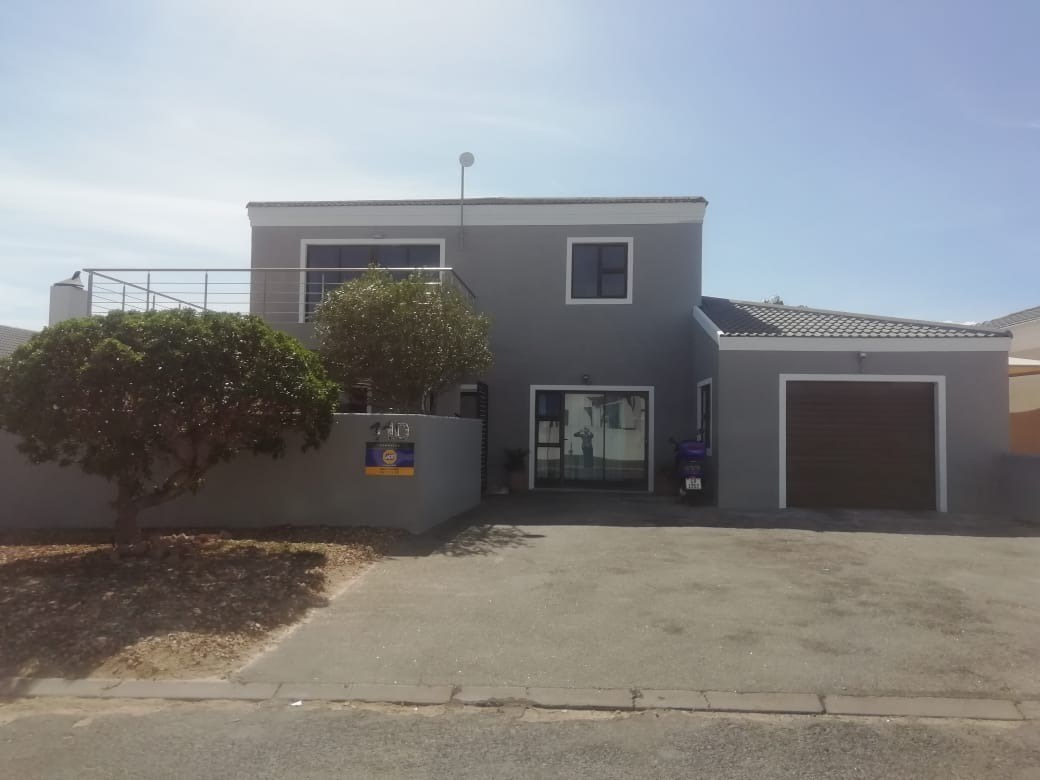 3 Bedroom House for Sale in Langebaan North