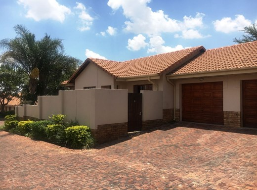 2 Bedroom Townhouse for Sale in Equestria