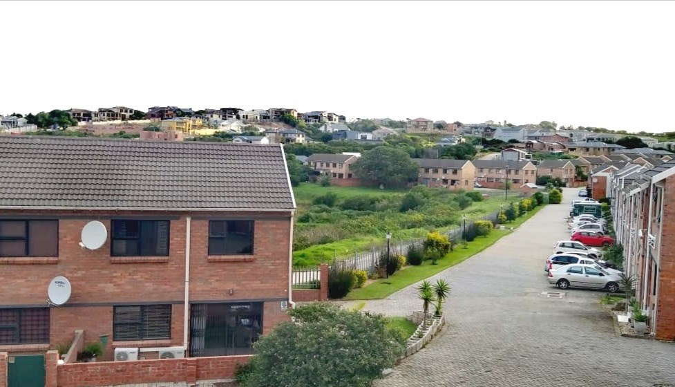 3 Bedroom Townhouse for Sale in Lovemore Park