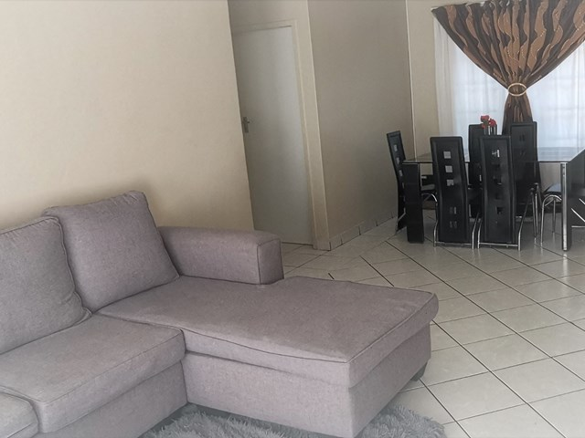 Rooihuiskraal North Apartment For Sale