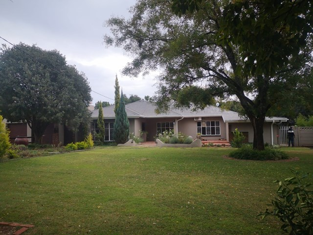 Suidrand House To Rent