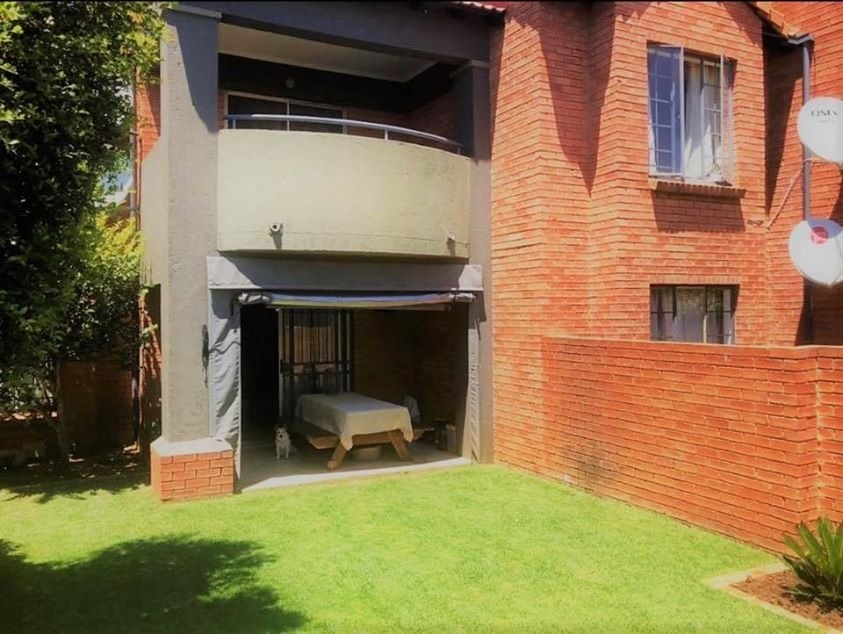 2 Bedroom Apartment for Sale in Equestria