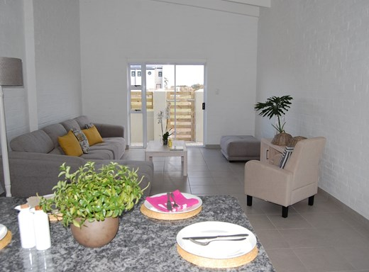 2 Bedroom House for Sale in Parsonsvlei