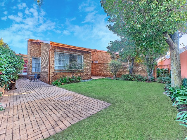 Kloofendal Townhouse For Sale