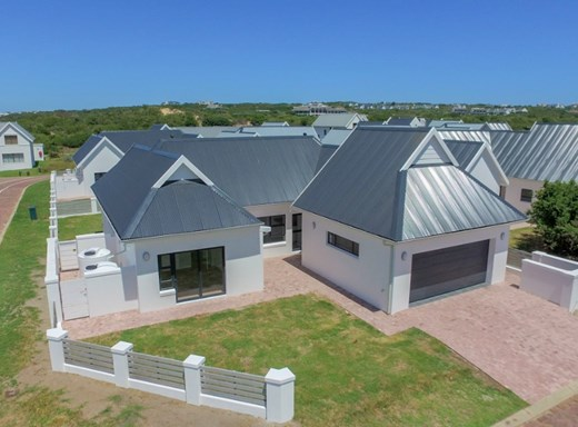3 Bedroom House for Sale in St Francis Bay