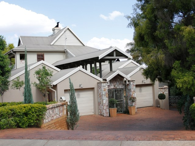Woodhill House For Sale