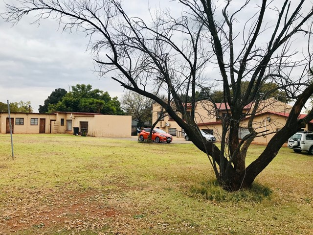 Die Hoewes Vacant Land For Sale