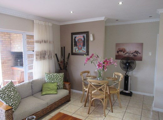 2 Bedroom Townhouse for Sale in Parsonsvlei