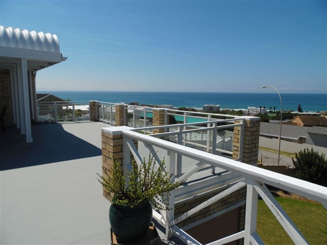 Central Jeffreys Bay House For Sale