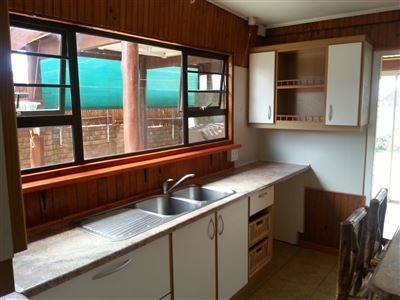 2 Bedroom House for Sale in Kaysers Beach