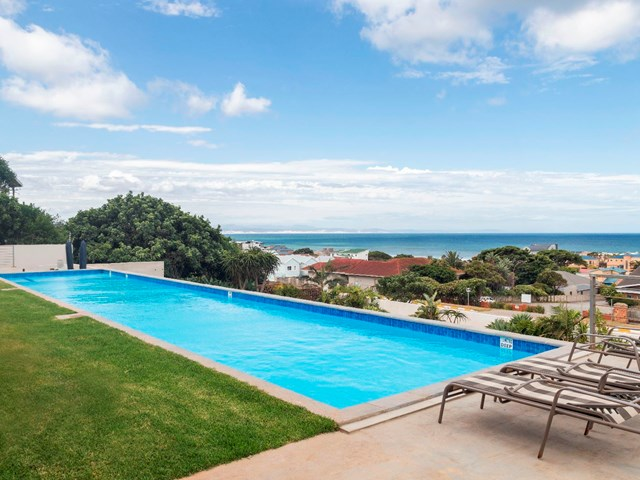 Central Jeffreys Bay House To Rent
