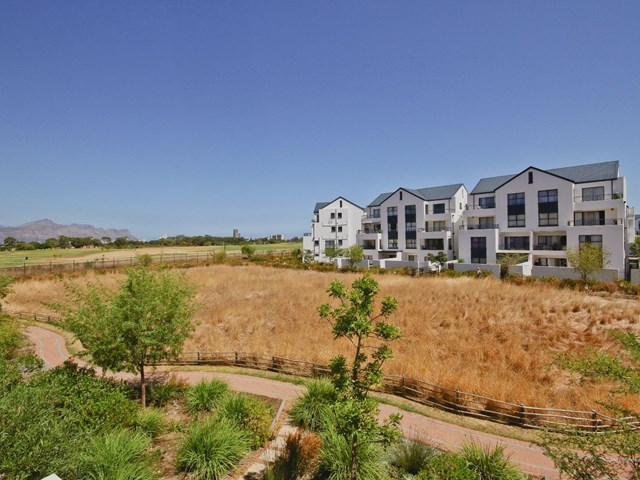 Somerset West Apartment For Sale