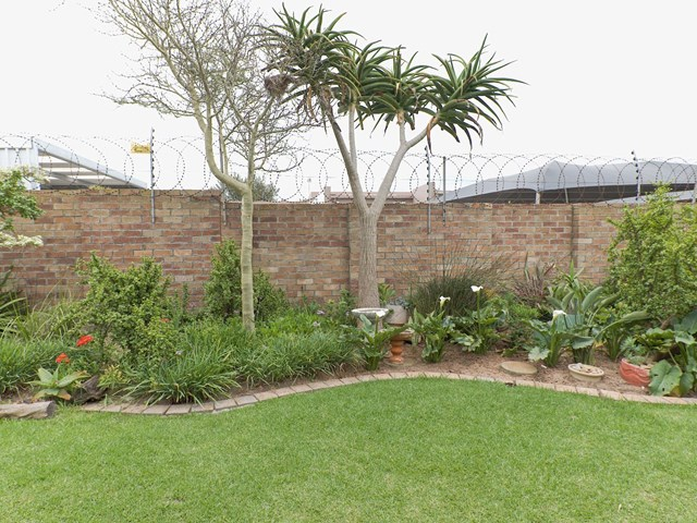 Summerstrand Townhouse For Sale