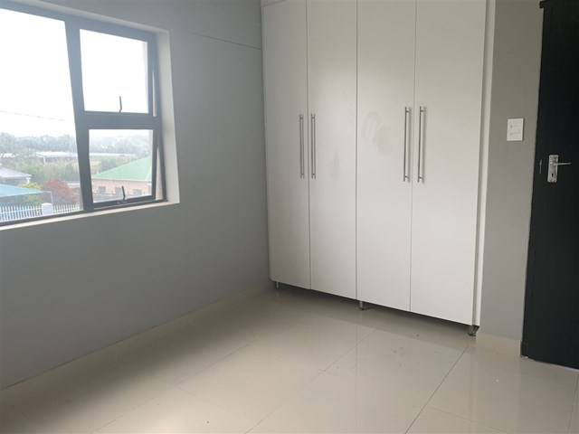 Southernwood Flat To Rent