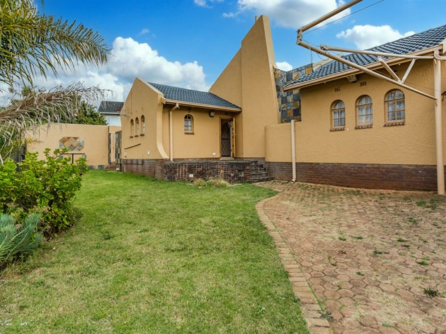 Wilro Park House For Sale