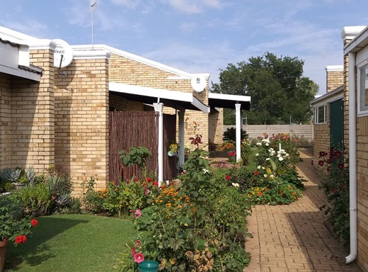 2 Bedroom House for Sale in Miederpark